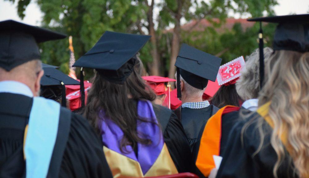 【その他】【学校の先生向け】スマホからでも卒業式をライブ配信する方法
